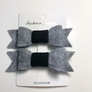 Set of Two Gray/Black Hair Clips